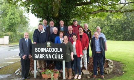 Bornacoola group under tree